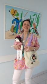 Enfermeira Juju e sua boneca